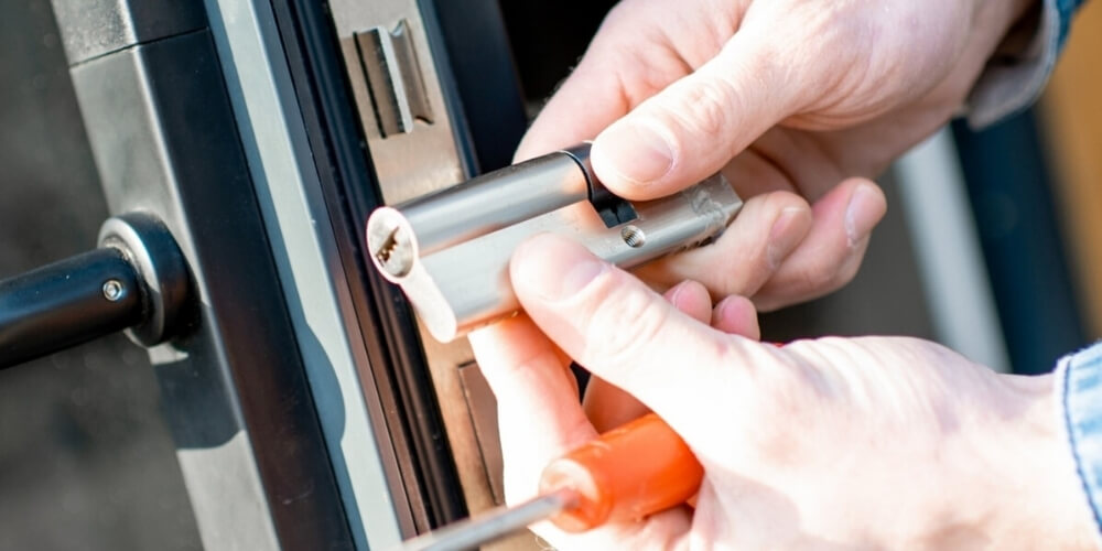 Locksmith for House Door Ready to Service Your Needs